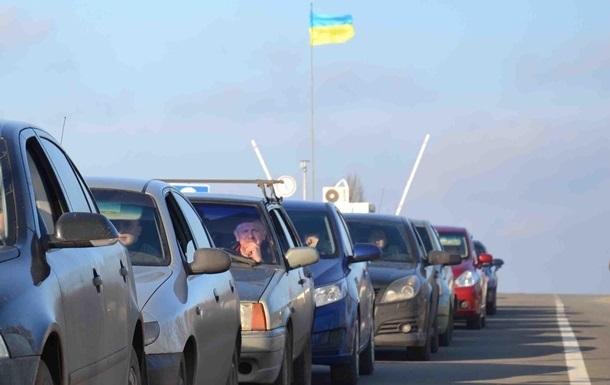 На Донбассе сепаратисты обстреляли маршрутку, объехавшую очередь