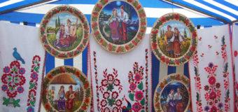 В Севастополе снесли палатки с украинскими сувенирами