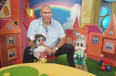Валуева в роли ведущего детской программы высмеяли в сети