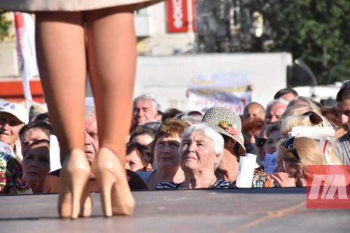 Сеть покорили «змеиные туфли» Тимошенко. Фото