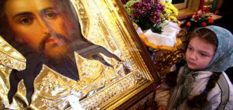 Старики в Украине молятся в два раза чаще, чем молодежь