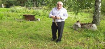 Россиянин «по зову свыше» более 30 лет находит клады в огороде. Фото