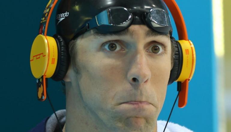 Олимпийцу Майклу Фелпсу помогает побеждать длинный язык. Фото