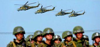 Туристы бегут из Крыма из-за военных учений. Видео