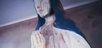 Статуя Девы Марии заплакала кровавыми слезами в Боливии. Видео