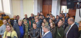 В Николаевской ОГА произошла драка между депутатами и «атошниками». Видео