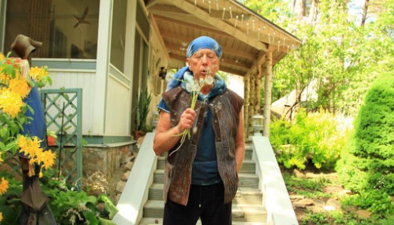 Больного раком Михаила Задорнова преследуют экстрасенсы и маги