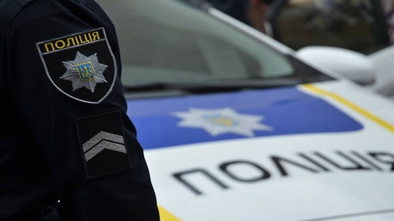 На Київщині озброєний чоловік напав на поліцейських