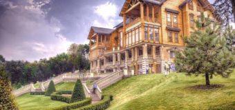 Житомирский чиновник учит жить своим имуществом. Фото