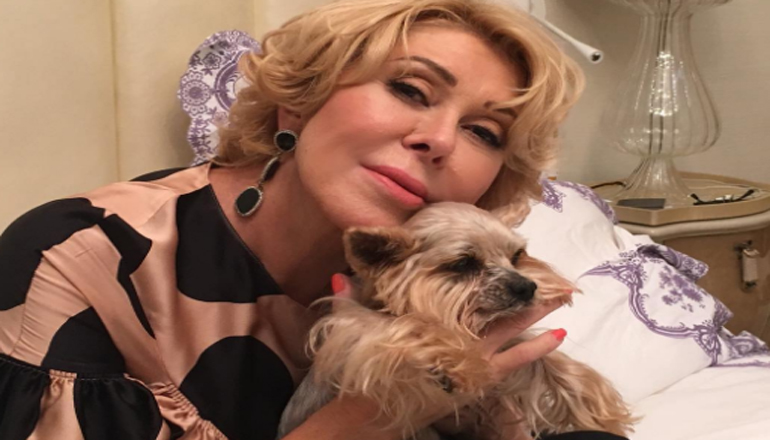 У певицы Любови Успенской умерла любимая собачка. Фото