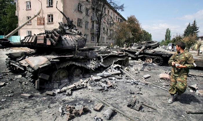 Российских хакеров обвиняют в войне на Донбассе