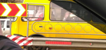 В Киеве Дед Мороз развозил людей на маршрутке. Фото