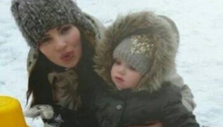 В Николаеве пропала женщина с годовалой дочерью