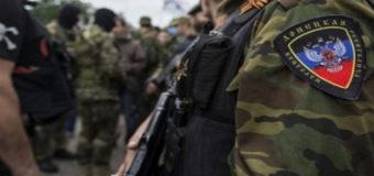 На выезде из Мариуполя задержали нервного волонтера «ДНР»