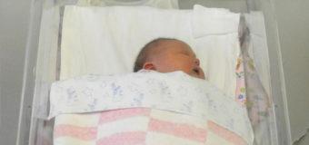 64-летняя китаянка родила здорового ребенка