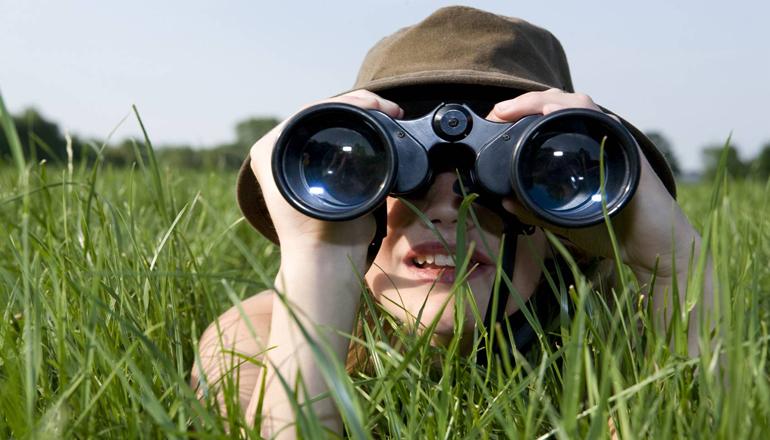 Психологи объяснили «иллюзию плаща-невидимки»