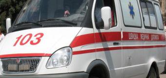 В Киеве троллейбус на полном ходу врезался в легковой автомобиль