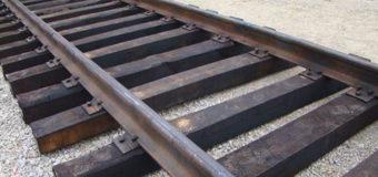 На Черниговщине поезд протаранил легковушку, есть жертвы