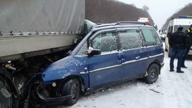 Серьезная авария под Львовом: пострадали дети