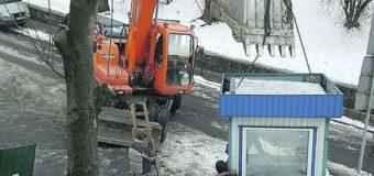 В Киеве разгораются страсти вокруг запрещенной стройки