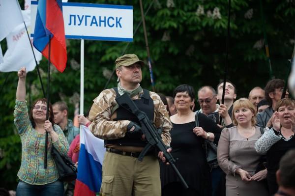 Пьяный луганский боевик чуть не застрелил собственного ребенка