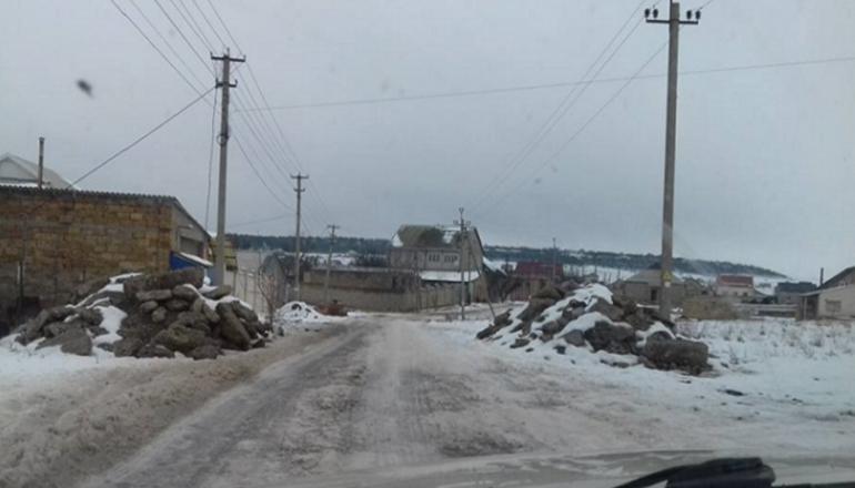 В поселке под Симферополем несколько дней нет электричества и тепла