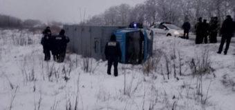 Возле Запорожья перевернулся автозак, пострадал заключенный