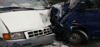 В Виннице столкнулись маршрутка и грузовик, есть пострадавшие