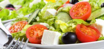 Жуткая находка в салате из львовского супермаркета поразила людей