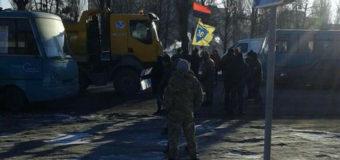 Тарифный бунт: под Киевом люди блокировали дороги. Фото