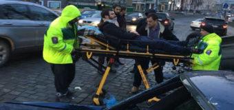 Масштабное ДТП в Киеве: пострадали три человека. Фото
