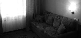 В России мужчина умер после падения с дивана