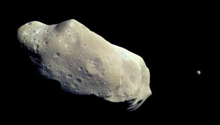 Огромный астероид чуть не врезался в Землю