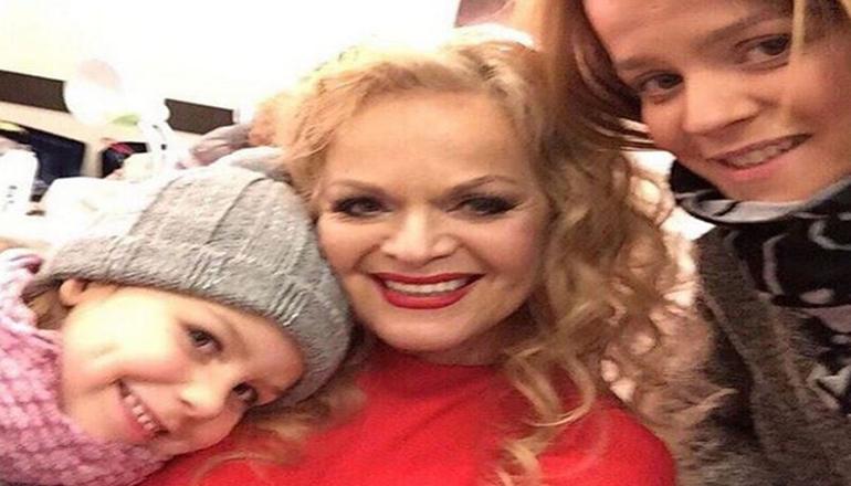 Внучка Ларисы Долиной готовится стать певицей