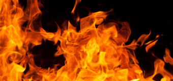 В Донецкой области на пожаре погибла женщина, малыш получил ожоги