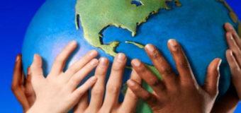 В Киеве прошел марш детей «Мир на земле»