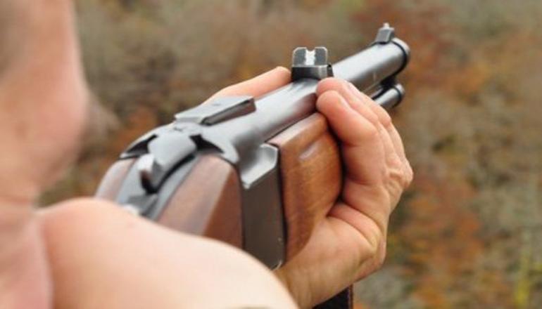 В Запорожье мужчина стрелял по полицейским