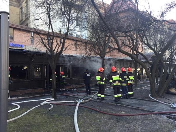 В центре Львова сгорел известный ресторан. Фото. Видео