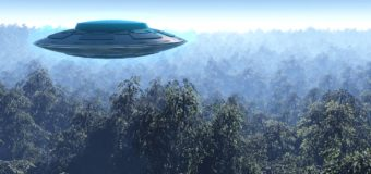 В китайском аэропорту запретили посадку трех пассажирских лайнеров из-за НЛО
