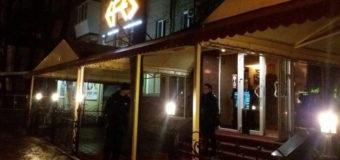Официантка рассказала подробности обстрела запорожского кафе
