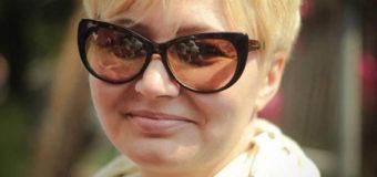 Киевские копы взбесили скандальную писательницу. Фото