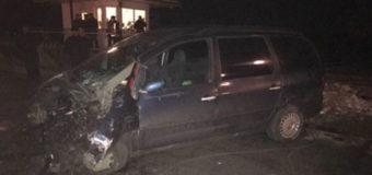 Во Львовской области автомобиль врезался в поезд