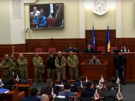 Украинцев окончательно вывела из себя драка под Киевским советом