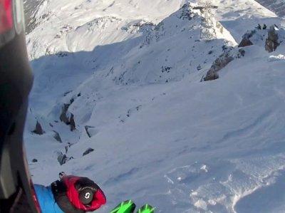 Ужасающее видео: Малахов снял свое падение на спуске в Австрии
