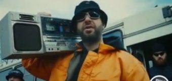 Ургант снял пародию на один из самых популярных клипов группы «Грибы». Видео