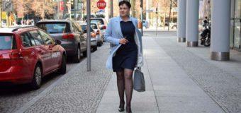 Удивительный образ: Савченко гуляет по Германии в маленьком черном платье. Фото