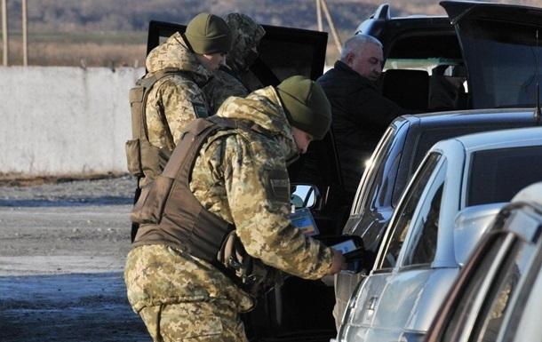 В зоне АТО на Луганщине машина сбила военного на блокпосту