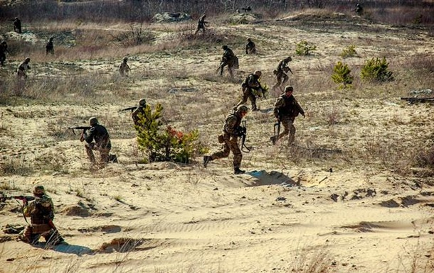 Волонтеры заявили, что под Мариуполем сепаратисты стреляют со всего, что есть