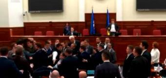 Драка в Киевсовете: Кличко вмешался в мордобой. Видео