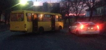 В Киеве пьяный водитель маршрутки уснул за рулем